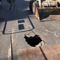 Cede rete fognaria: traffico in tilt a Bitonto per una voragine su via Galilei