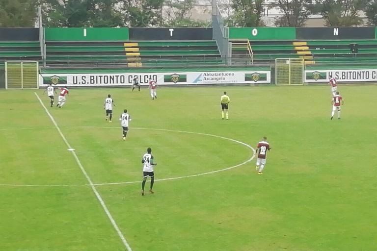 Bitonto-San Giorgio, un'azione del match