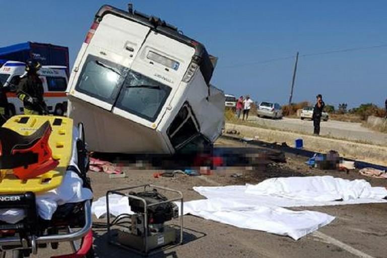 Tragedia nel Foggiano, Abbaticchio: «Morti 'straniere' che servono a non dare risposte»