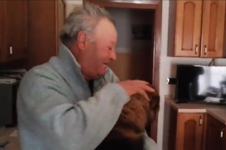 Chicco torna fra le braccia di Nonno Felice