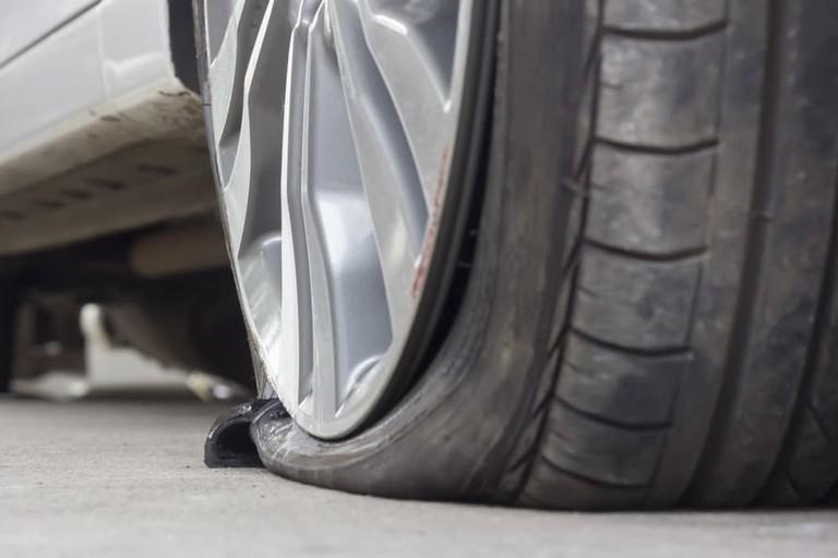 Danneggiamenti alle auto in sosta