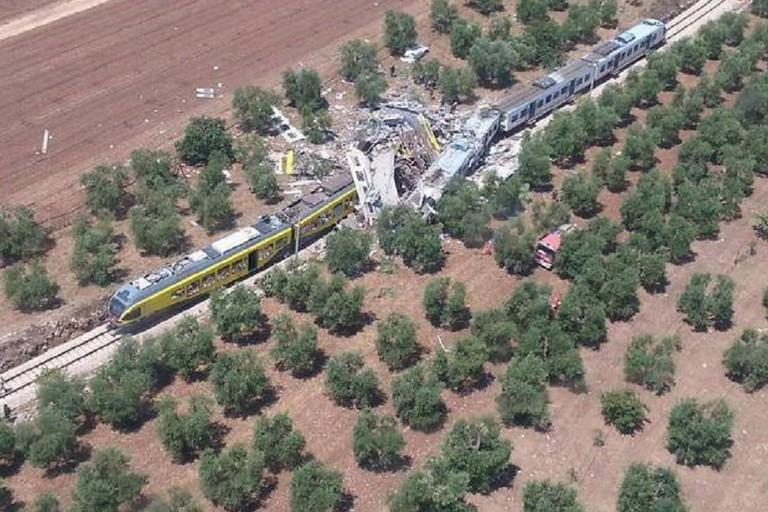 Scontro fra treni fra Andria e Corato: Ferrotramviaria e MIT responsabili civili