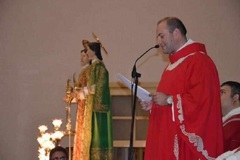Don Vito Piccinonna con i Santi Medici