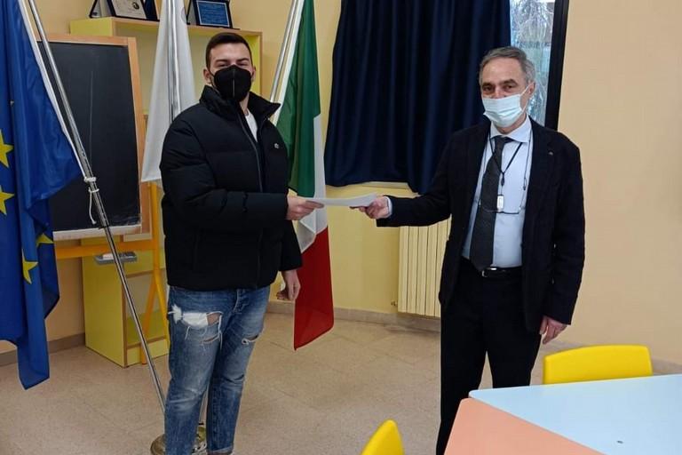 Francesco Fornelli riceve la borsa di studio