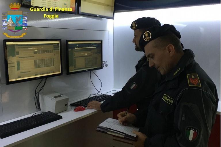 Gioco illegale: blitz della GdF in tutta la Puglia