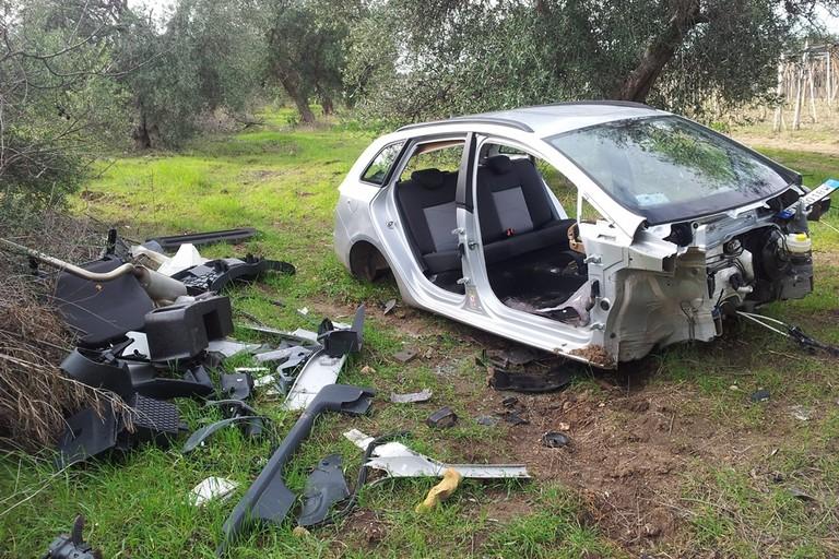 Una delle auto recuperate dal Consorzio Custodia Campi