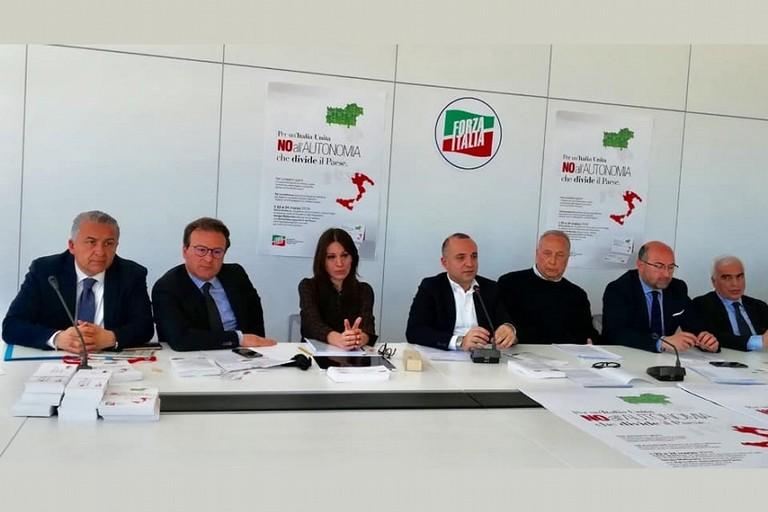 Gli esponenti pugliesi di Forza Italia contro lautonomia differenziata