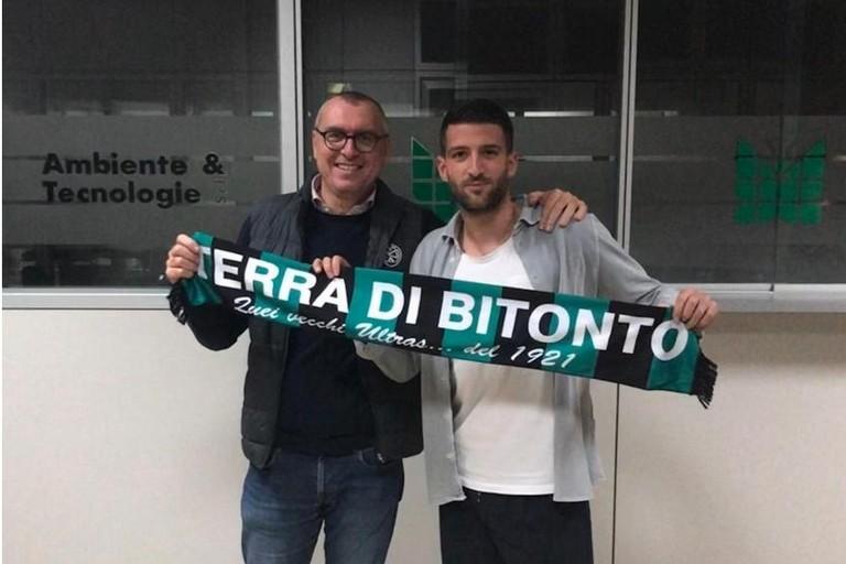 Il neo acquisto del Bitonto c Luigi Falcone c con il presidente Francesco Rossiello