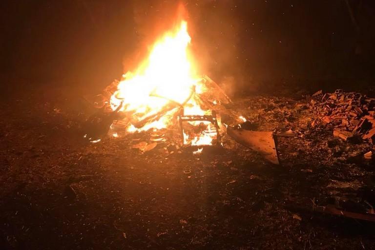 incendio rifiuti nelle campagne di Bitonto