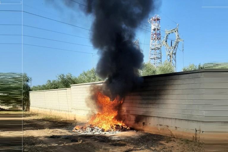 Incendio su via Palo
