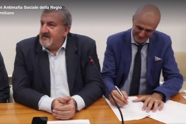 La firma del contratto tra Regione e Comune di Bitonto