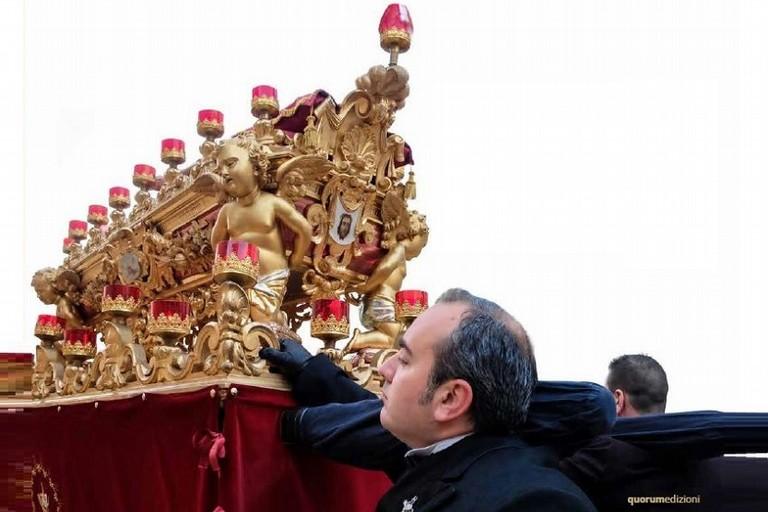 La processione secondo Michele