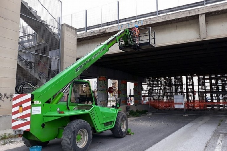 lavori ponte modungo