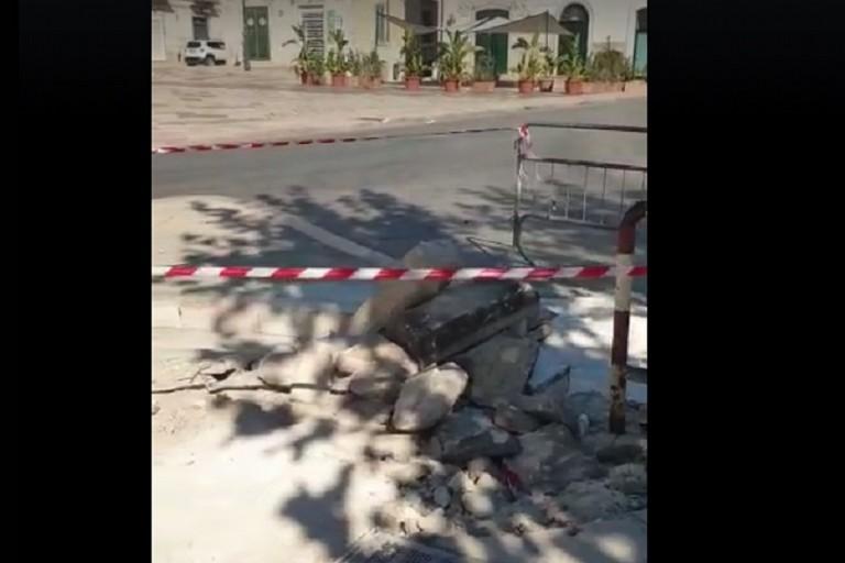 Le chianche rotte in piazza Marconi