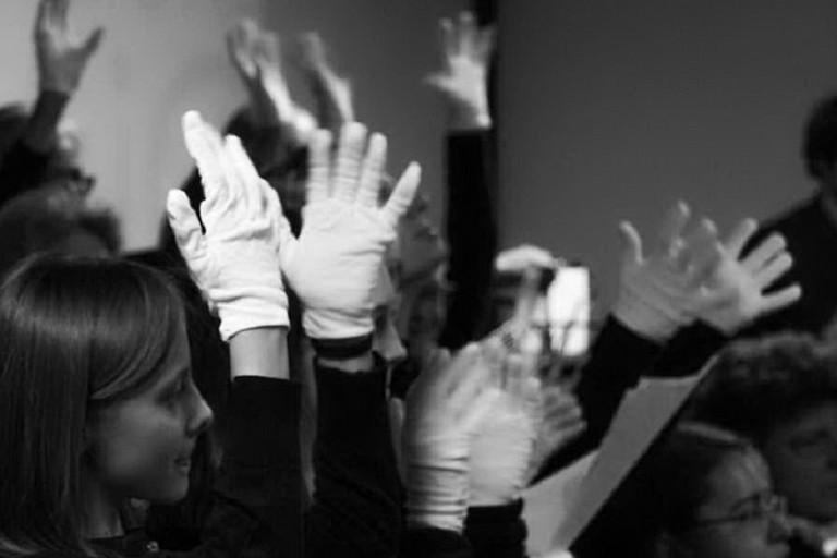 Lingua dei segni. <span>Foto unionesarada.it</span>