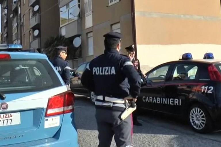 Le ricerche dei Carabinieri e della Polizia