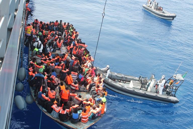 Migranti al largo del Mediterraneo