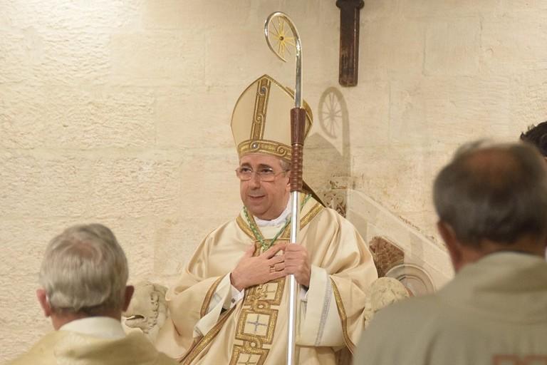 Arcivescovo Satriano ricoverato per Covid: «Quadro generale oggettivamente complesso»