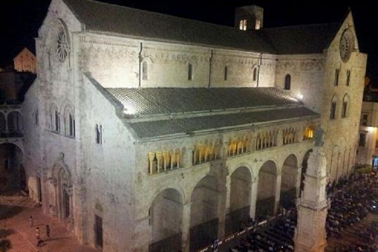 Piazza Cattedrale di sera