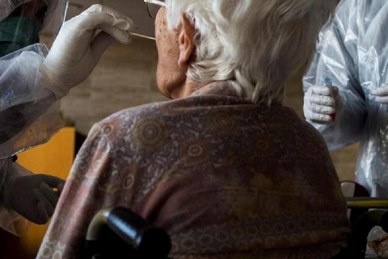 Test anti covid agli anziani