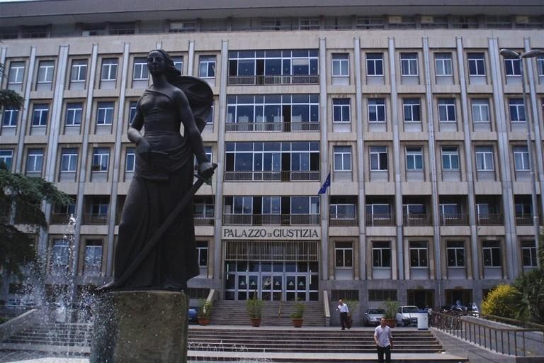 Tribunale Bari x