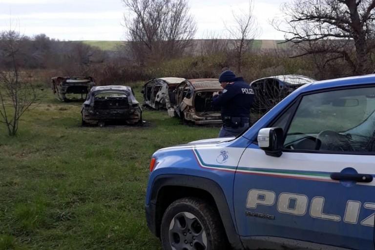 Le auto rinvenute dalla Polizia di Stato